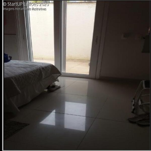 Casa 4 Suítes - Cond. Fechado - Praia de Pernambuco - Guarujá / SP